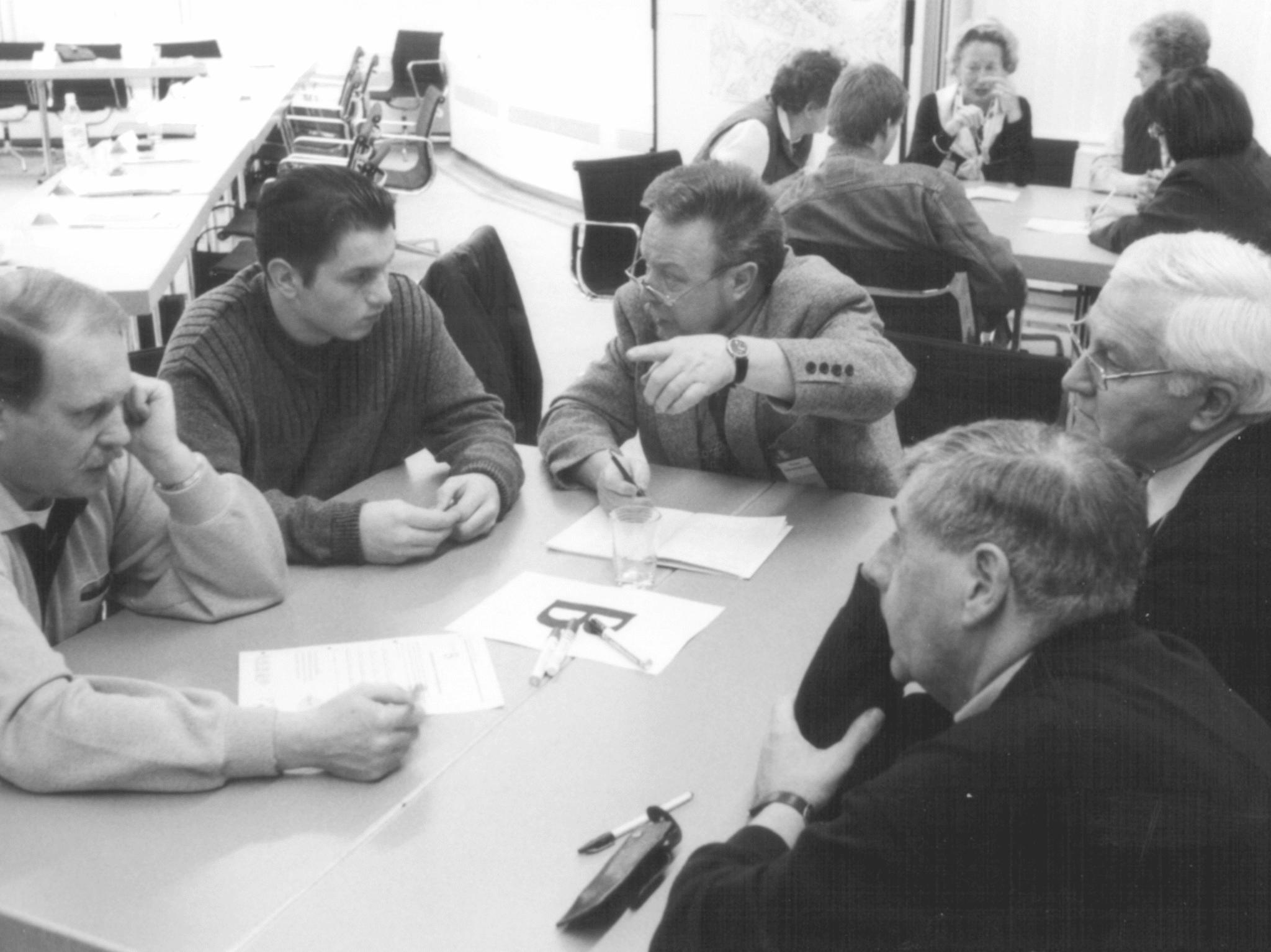 Kleingruppendiskussionen mit Peter Dienel